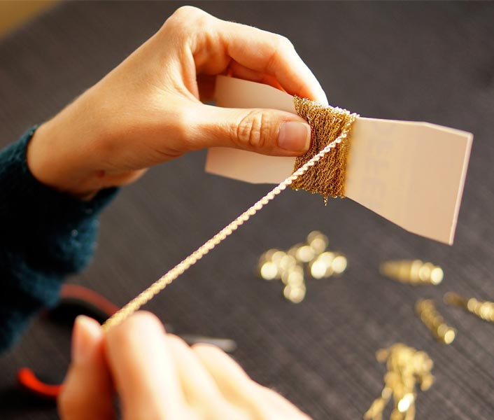 handmade-fashion-jewelry-gold-for-women-with-gemstone-made-in-France