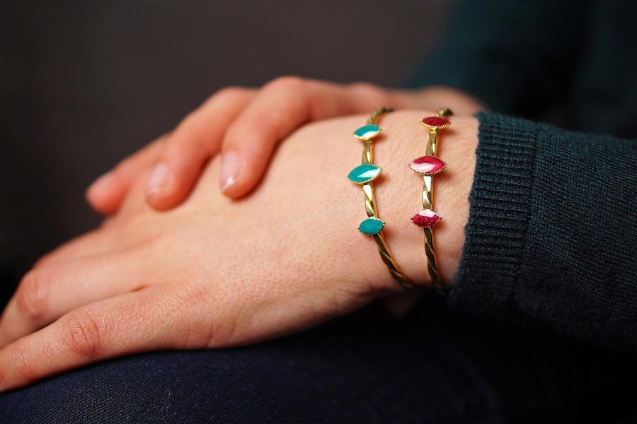 Créateur-de-bijoux-fantaisie-en-or-fait-à la-main-artisanal-pour-femme-avec-des-pierre-naturelle-fabriqué-à-Paris