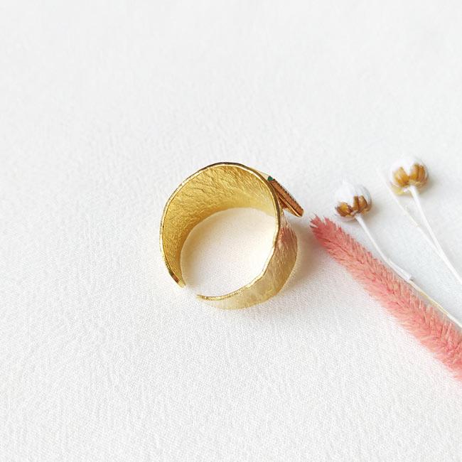 Bague-bijoux-de-créateur-fantaisie-email-fait-à-la-main