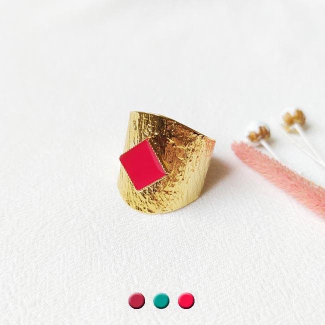 Bague-bijoux-de-créateur-fantaisie-email-rouge-fait-à-la-main