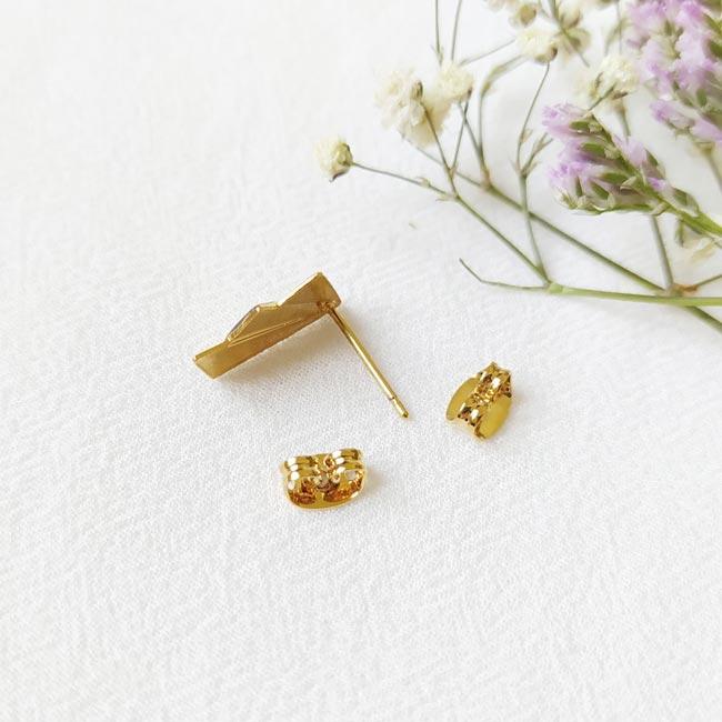 Bijoux-de-créateur-fantaisie-boucles-d-oreilles-tige-avec-email-doré-à-l-or-fin