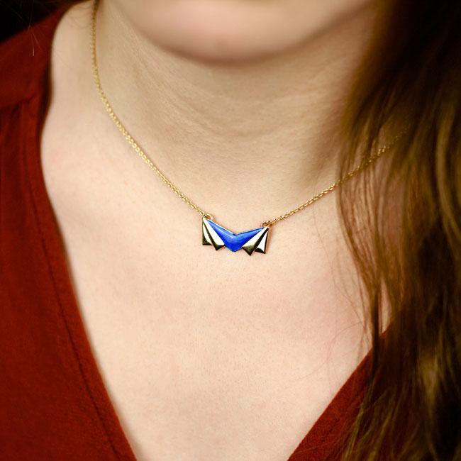 Bijoux-de-créateur-fantaisie-collier-court-email-bleu-roi-doré-à-l-or-fin2