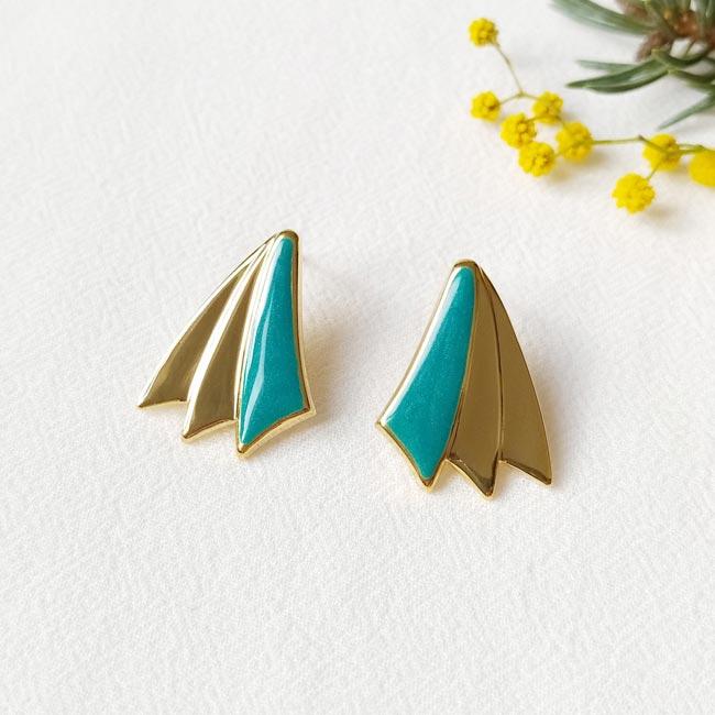 Boucle-d-oreille-bijoux-de-créateur-fantaisie-bleu-turquoise-fait-main-à-Paris