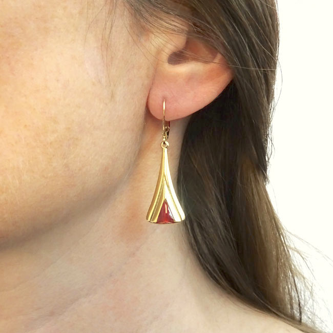 Handmade-gold-plated-earrings-for-women-with-plum-enamel-made-in-Paris-France