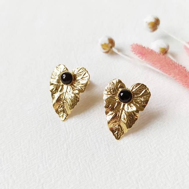 Boucle-d-oreille-fait-à-la-main-pierre-agate-noire-bijoux-de-créateur-fantaisie