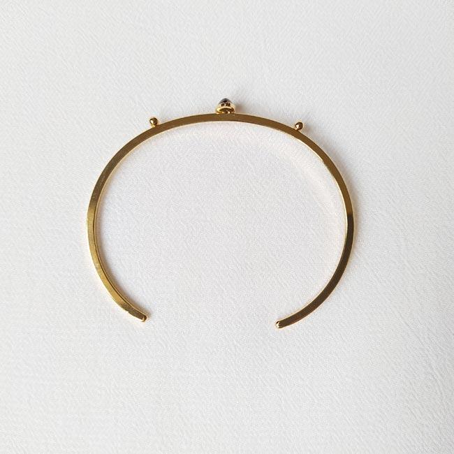 Bijoux-fantaisie-de-créateur-bracelet-jonc-avec-pierre-naturelle-fait-à-la-main-à-Paris