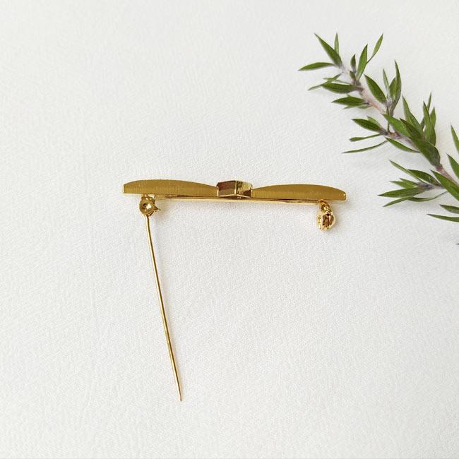 Bijoux-fantaisie-de-créateur-broche-doré-noeud-fait-main