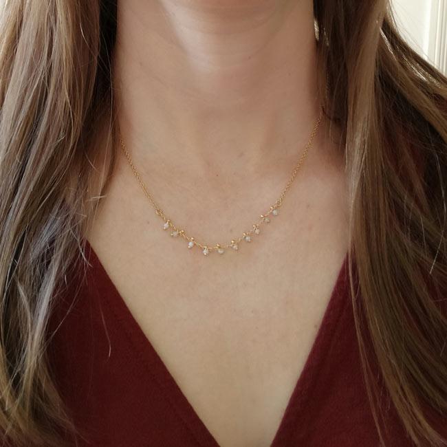 Bijoux-fantaisie-de-créateur-collier-doré-or-fin-perle-bleu-fait-main