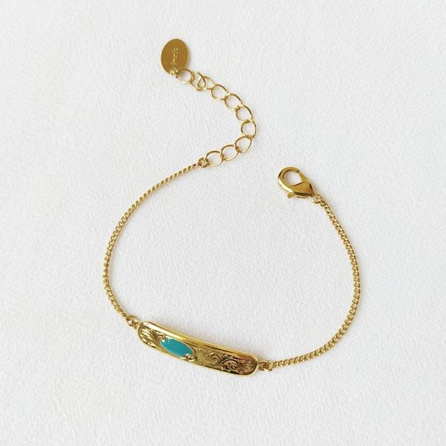 Bracelet-bleu-bijoux-créateur-fantaisie-doré-or-fait-à-Paris