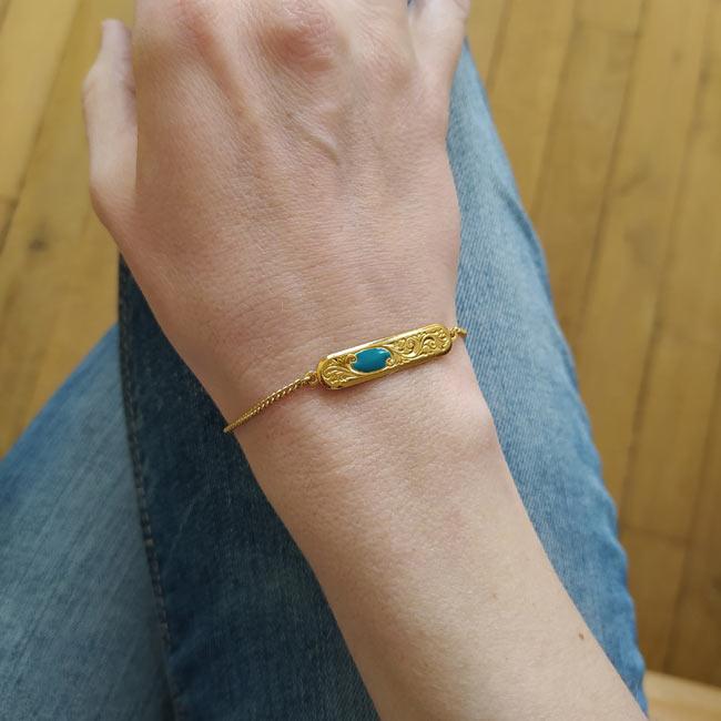 Bracelet-bleu-turquoise-bijoux-de-créateur-fantaisie-doré-or-fait-à-Paris2