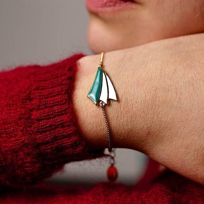 Bracelet-bleu-turquoise-bijoux-de-créateur-fantaisie-doré-or-fait-main