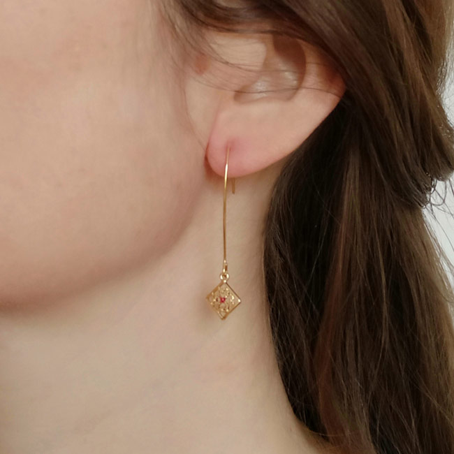 Handmade-gold-plated-earrings-for-woman-with-red-enamel-made-in-Paris-France