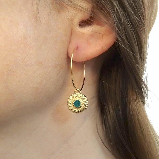 Bijoux-de-créateur-fantaisie-boucles-d-oreilles-or-vert-fait-à-la-main-à-Paris