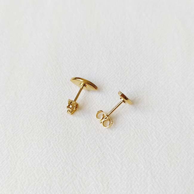 Bijoux-de-créateur-fantaisie-boucles-puces-d-oreilles-or-fait-main-à-Paris