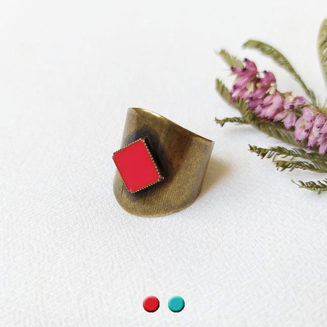 Bague-bronze-de-créateur-fantaisie-rouge-fait-main-à-Paris