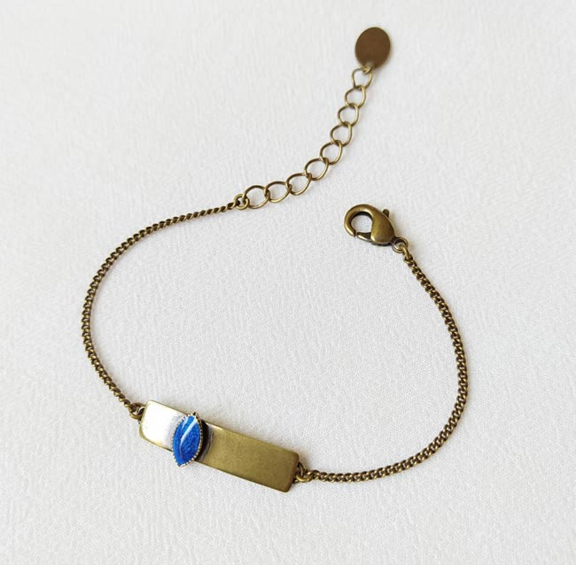 Bracelet-bronze-de-créateur-fantaisie-bleu-roi-fait-main-à-Paris