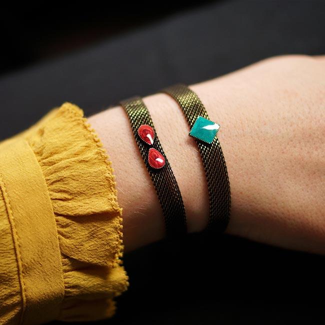 Bracelet-fantaisie-de-créateur-bronze-email-prune-fait-main-à-Paris