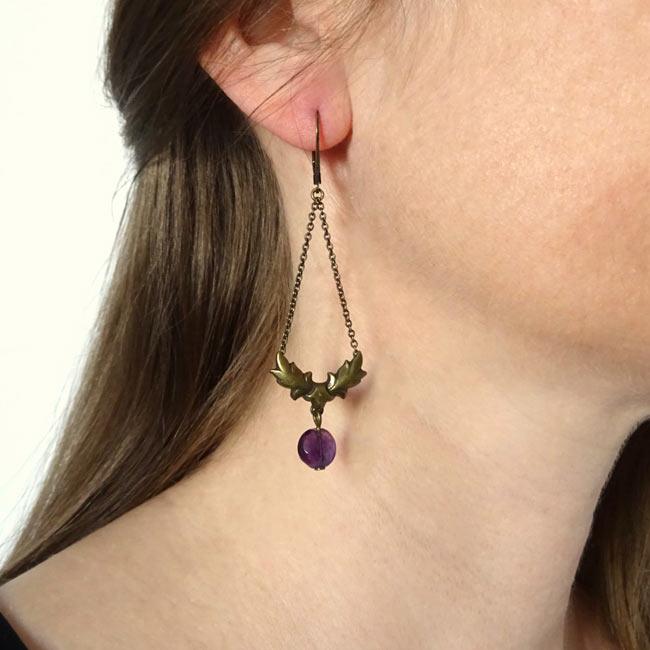 Bijoux-de-créateur-fantaisie-boucles-d-oreilles-bronze-pierre-amethyste-fait-main-à-Paris