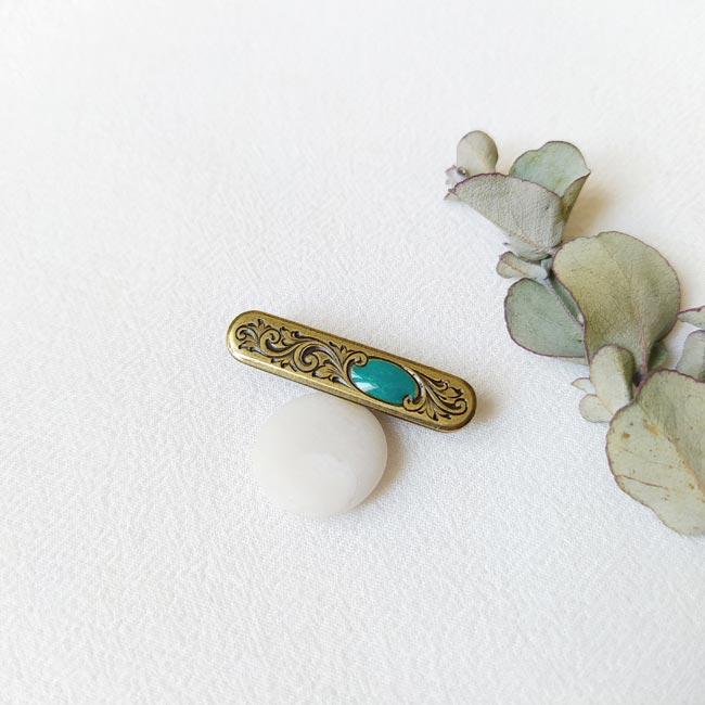 Broche-bronze-fantaisie-de-créateur-bleu-turquoise-fait-main