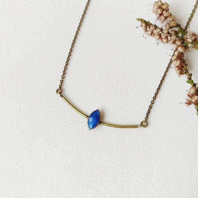 Collier-bronze-de-créateur-fantaisie-email-bleu-fait-main-à-Paris
