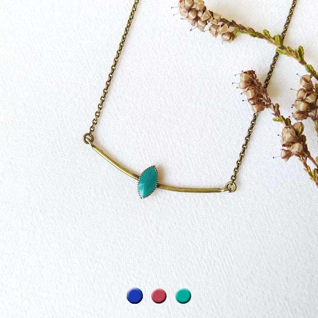 Collier-bronze-de-créateur-fantaisie-email-bleu-turquoise-fait-main-à-Paris