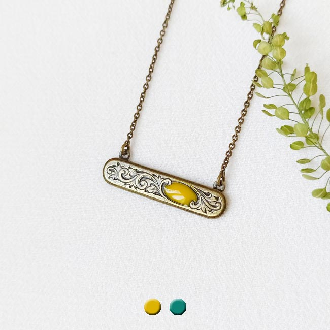 Handmade-fashion-necklace-women-yellow-handcrafted-in-Paris