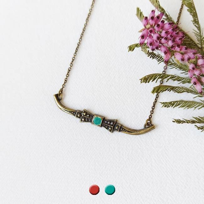 Collier-bronze-fantaisie-de-créateur-noeud-email-bleu-fait-main-à-Paris