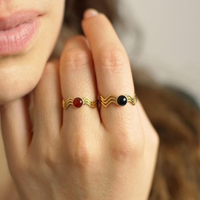 Bague-bijoux-fantaisie-de-créateur-pour-femme-avec-pierre-naturelle-fabrication-artisanal-en-France