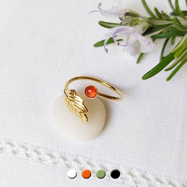 Handmade-customed-gold-adjustable-ring-for-women-with-a-orange-gemstone-made-in-France