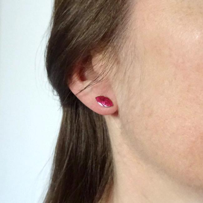 Bijoux-de-créateur-fantaisie-boucles-puces-d-oreilles-en-or-turquoise-fait-main-à-Paris