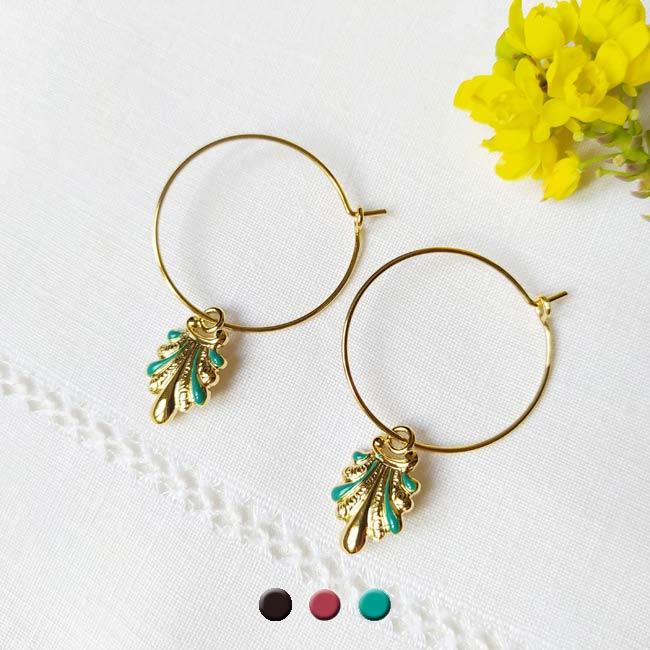 Customed-handmade-gold-hoop-earrings-for-women-with-blue-enamel-made-in-France
