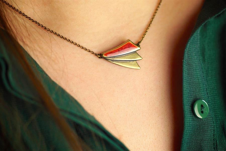 Handmade-bronze-necklace-for-women-with-plum-enamel-handcrafted-in-Paris